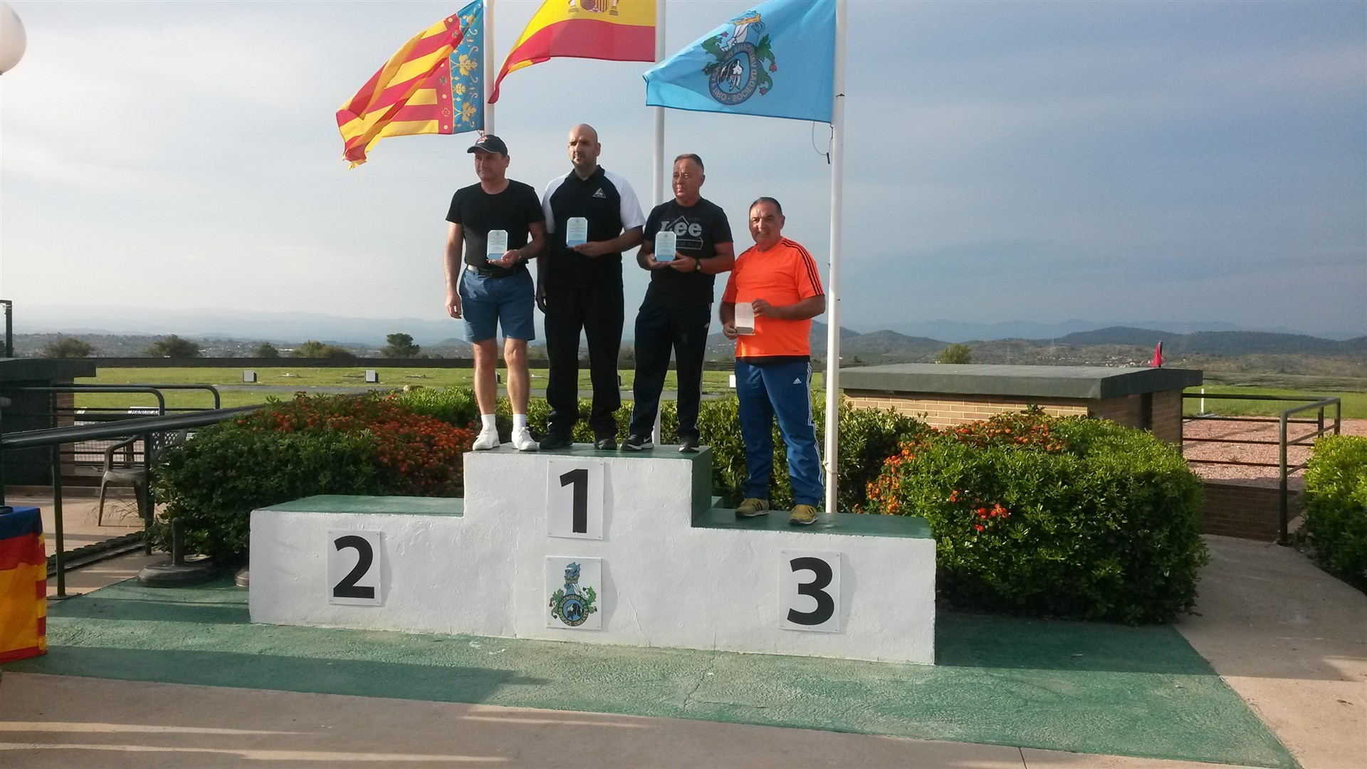 l 1ª CATEGORIA CRISTOBAL FLORES, 2ª CATEGORIA SANCHIS SALVADOR, 3ª CATEGORIA ANTONIO CANDELA Y 4ª CATEGORIA JUAN M. FERNANDEZ NOVELLA